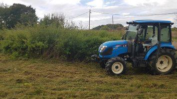 bozótirtás-telektisztítás-traktor_optimized